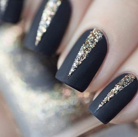 10 Holiday Nail Ideas